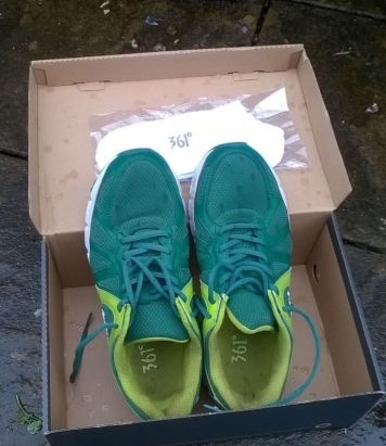 Rio-2016-Olympic-Official-361-Volunteer-Uniform-shoes